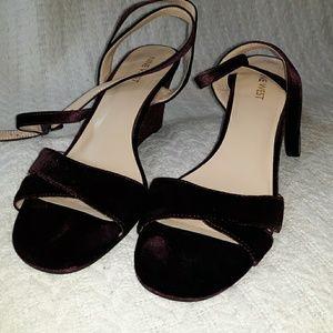 9 West purple velvet Sandals Wedge Heels strappy